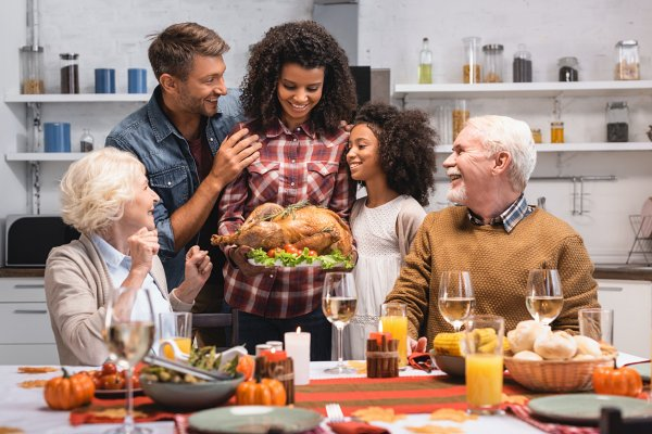 Giving Thanks: 10 Tips to Make This Year's Thanksgiving Special