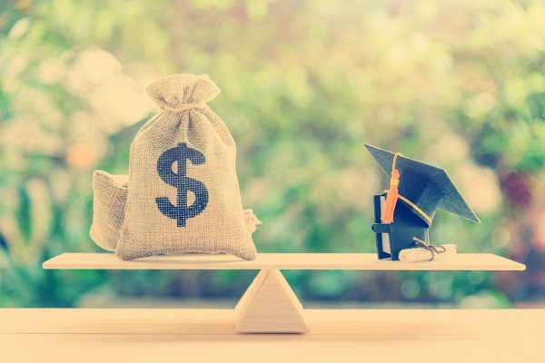 5 Creative Ways to Pay Off Student Loans Faster